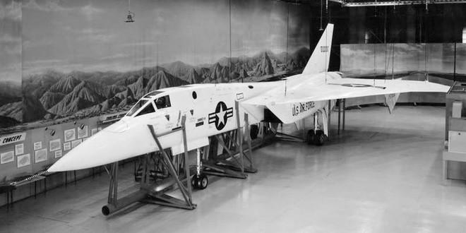 Mang tiếng siêu chiến đấu cơ, nhưng chiếc máy bay này của Mỹ chưa từng rời bánh khỏi mặt đất - Ảnh 2.