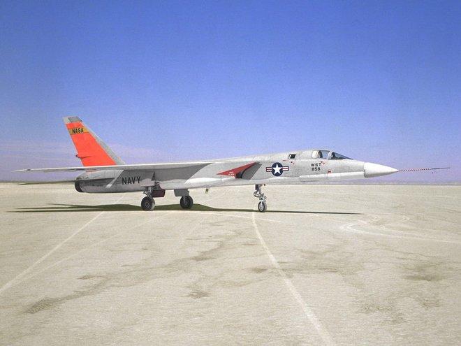Mang tiếng siêu chiến đấu cơ, nhưng chiếc máy bay này của Mỹ chưa từng rời bánh khỏi mặt đất - Ảnh 3.
