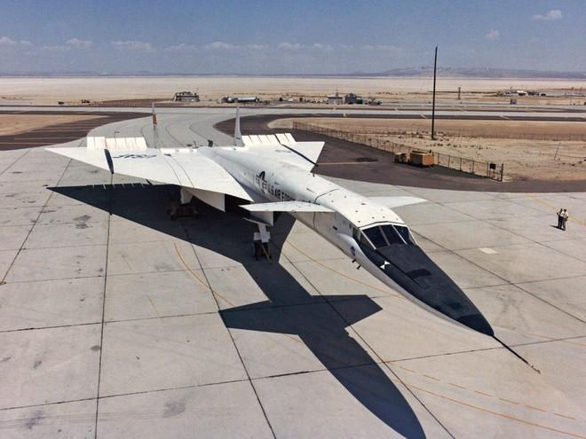 Mang tiếng siêu chiến đấu cơ, nhưng chiếc máy bay này của Mỹ chưa từng rời bánh khỏi mặt đất - Ảnh 1.