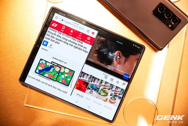 Trên tay Samsung Galaxy Z Fold2: Màn hình tràn viền cả trong lẫn ngoài, cơ chế gập thoải mái hơn, giá 50 triệu đồng - Ảnh 17.