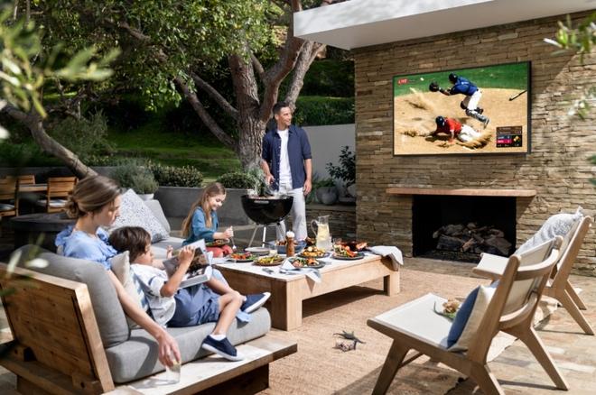 Samsung ra mắt The Terrace, mẫu TV cao cấp giá cả trăm triệu có khả năng chống chịu nắng mưa ngoài trời chuẩn IP56 - Ảnh 3.