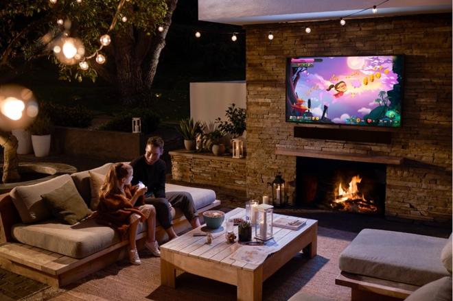 Samsung ra mắt The Terrace, mẫu TV cao cấp giá cả trăm triệu có khả năng chống chịu nắng mưa ngoài trời chuẩn IP56 - Ảnh 1.