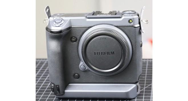 Làm hỏng máy ảnh Fujifilm GFX100 trị giá 10.000 USD, nhiếp ảnh gia rút ra bài học nhớ đời về sự nguy hiểm của nước muối với đồ điện tử - Ảnh 1.