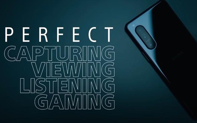 Sony Xperia 5 II lộ video quảng cáo: Màn hình OLED 120Hz, quay video 4K 120fps, có jack cắm tai nghe 3.5mm - Ảnh 2.