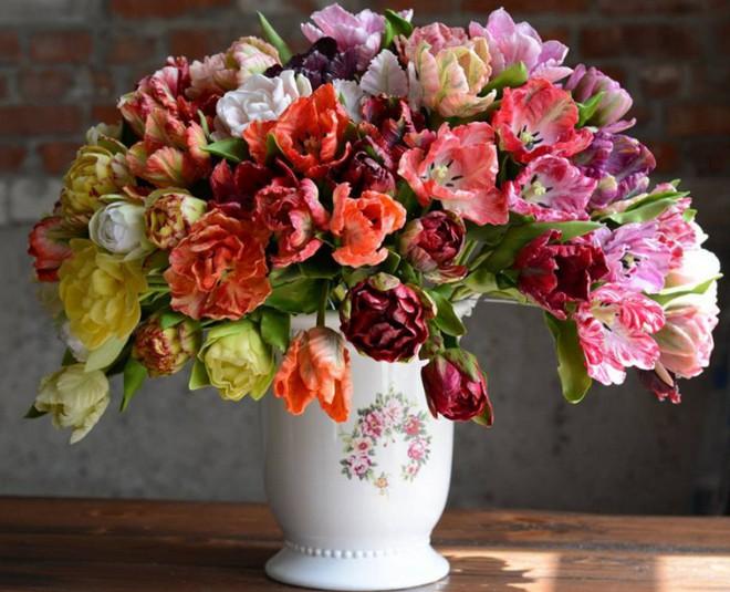 Nhìn những bông hoa mềm mại như thật thế này, bạn sẽ không thể ngờ chất liệu tạo nên chúng là gì đâu! - Ảnh 7.