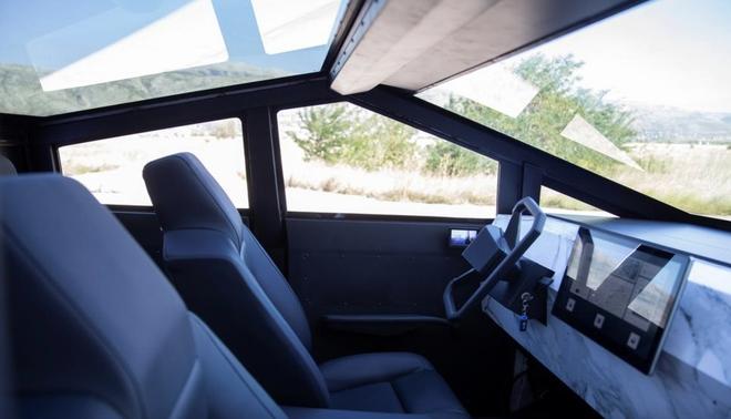 Chờ Cybertruck quá lâu, một fan Tesla người Bosnia tự chế bản sao như thật - Ảnh 3.
