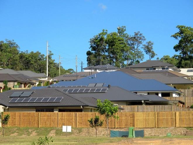 Tesla thực hiện giai đoạn 3 của dự án nhà máy năng lượng ảo tại Úc, lắp điện miễn phí pin Mặt Trời và pin lưu trữ năng lượng cho thêm 4.000 hộ dân - Ảnh 2.