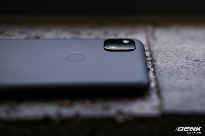 Trên tay Google Pixel 4a: Gọn nhẹ, chỉ 1 camera sau, sản xuất tại Việt Nam, giá gần 10 triệu đồng - Ảnh 12.