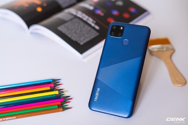 Đánh giá Realme C12: ngoài pin 6.000 mAh có còn gì khác hấp dẫn? - Ảnh 8.