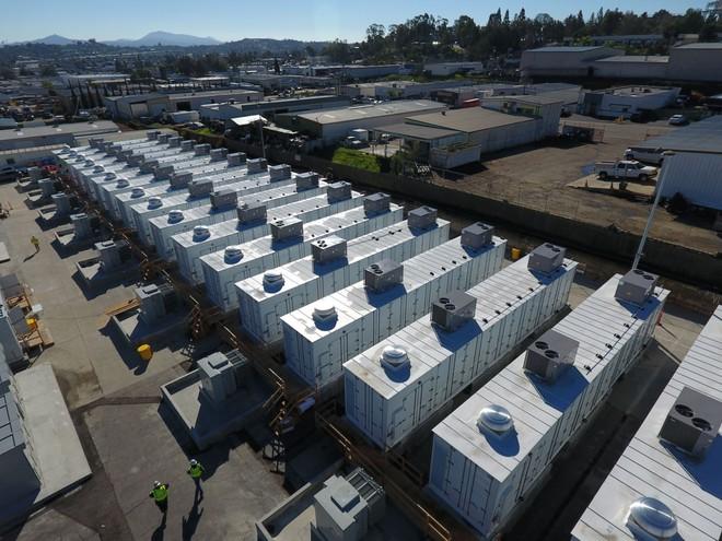 Hệ thống lưu trữ điện bằng pin li-ion tại thành phố San Diego,California.