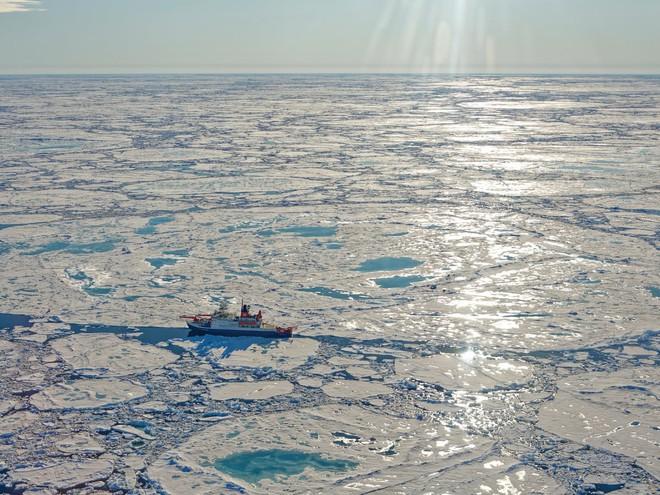 Quả bom hẹn giờ đe dọa Trái Đất đang ẩn mình dưới lớp băng vĩnh cửu của Bắc Băng Dương - Ảnh 1.