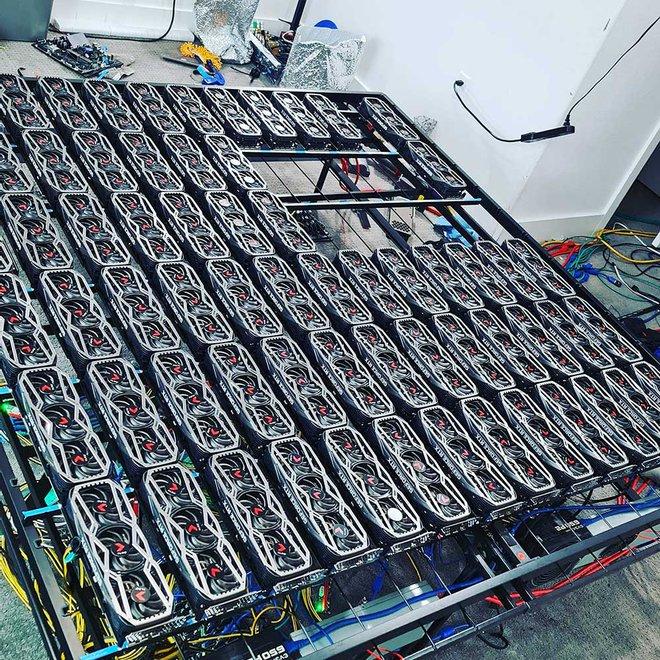 Dùng 78 chiếc RTX 3080 cày tiền ảo, chủ nhân kiếm 3 tỷ đồng/năm - Ảnh 1.