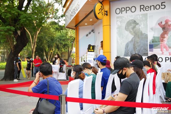 Hôm nay OPPO Reno 5 chính thức mở bán: Lập mức kỉ lục mới với 42.000 đơn cọc, cứ mỗi phút có 3 khách quyết định xuống tiền - Ảnh 1.