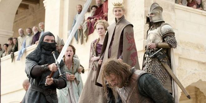 Ned Stark Sean Bean đã nghĩ gì khi quay cảnh xử trảm kinh điển trong Game of Thrones? - Ảnh 1.