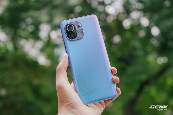 Trên tay Xiaomi Mi 11 phiên bản đặc biệt có chữ ký của CEO Lei Jun, giá 20 triệu đồng - Ảnh 4.