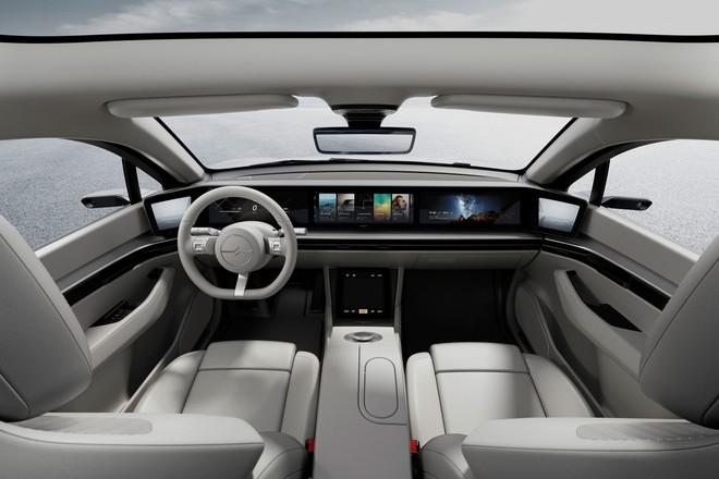 12 tháng sau khi công bố, Sony đã công khai thử nghiệm xe hơi concept trên đường - Ảnh 1.