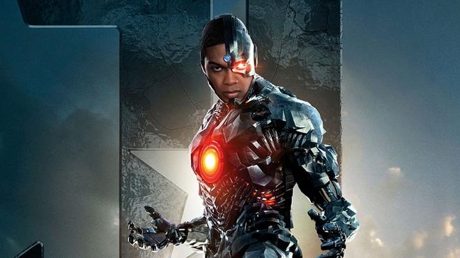 """Công khai đối đầu với chủ tịch DC Films, """"Cyborg"""" Ray Fisher bị gạch tên khỏi dự án The Flash - Ảnh 1."""