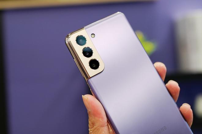Galaxy S21 còn chưa bán nhưng vlogger, streamer đã háo hức muốn trên tay ngay, ra là vì tính năng quay video hay quá - Ảnh 1.