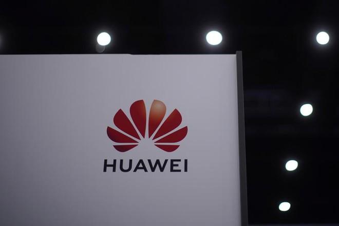 Chính quyền ông Trump giáng đòn cuối vào Huawei - Ảnh 1.