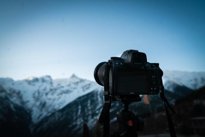 Nikon sẽ tập trung vào sản xuất máy ảnh không gương lật sau đợt lỗ lịch sử trị giá 720 triệu USD - Ảnh 3.
