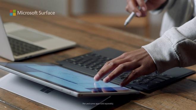 Microsoft tung quảng cáo nói rằng Surface tốt hơn MacBook M1, cư dân mạng lập tức ném gạch - Ảnh 1.
