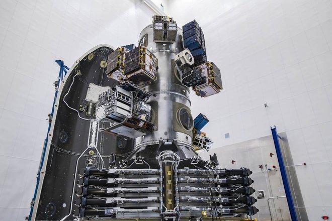 SpaceX vừa lập một kỷ lục thế giới mới, mở đường trở thành Uber trong ngành phóng vệ tinh vũ trụ - Ảnh 1.