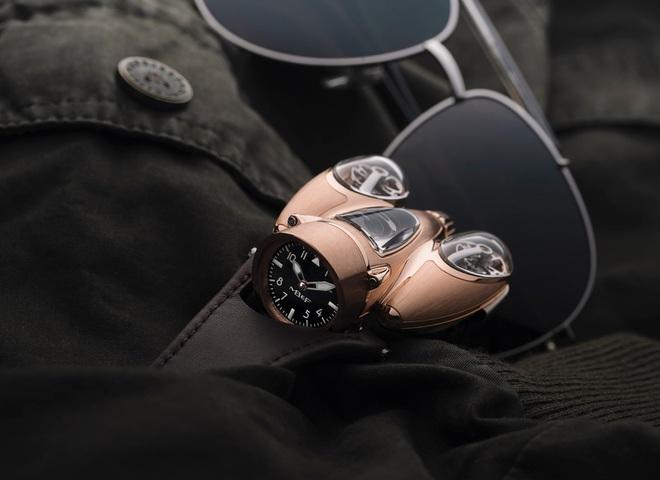 Choáng với mẫu đồng hồ giá hơn 10 tỷ đồng: Thiết kế siêu dị, vỏ case phủ sapphire trong suốt, đo thời gian chuẩn hơn, chống nước ở độ sâu 30 mét - Ảnh 4.