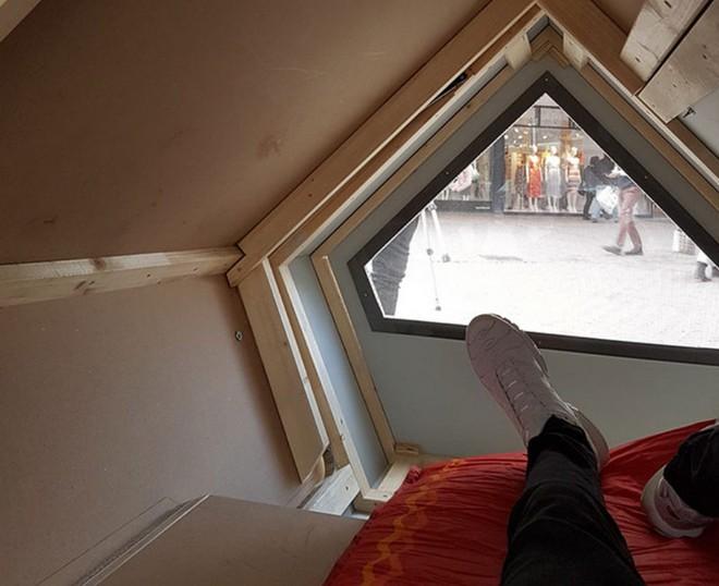"""Thành phố Đức thử nghiệm phòng ngủ """"kén tằm""""giúp người vô gia cư vượt qua mùa đông khắc nghiệt - Ảnh 3."""