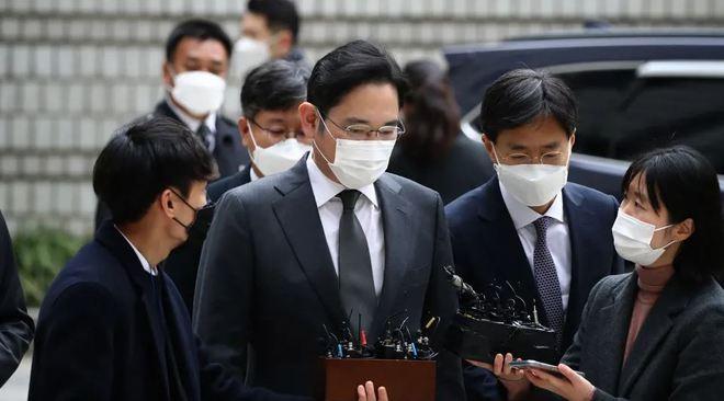 Người thừa kế Samsung lên tiếng xin lỗi vì lại phải ngồi tù, yêu cầu nhân viên hãy tiếp tục làm việc - Ảnh 1.