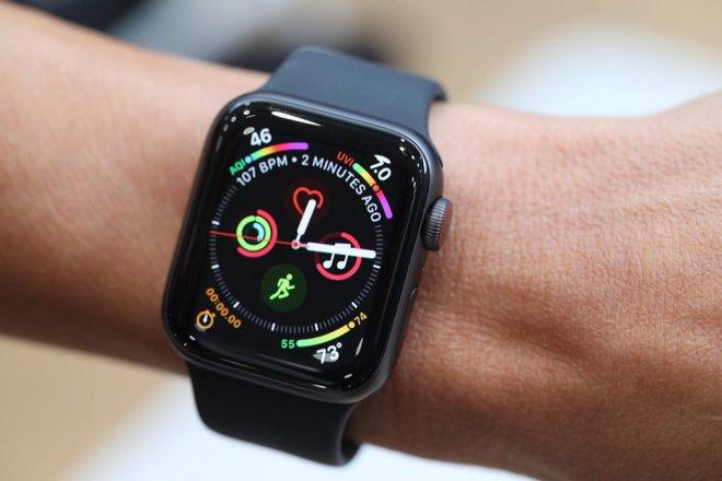 Apple Watch vừa cứu sống một người bị nước lũ cuốn - Ảnh 1.