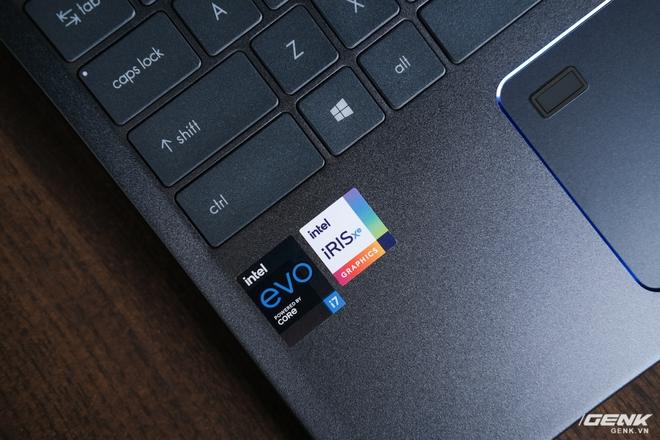 Trải nghiệm MSI Prestige 14 Evo: Một trong những chiếc laptop đầu tiên đạt chuẩn Evo của Intel, chạy iRIS Xe Graphics nhưng chơi được cả GTA V - Ảnh 14.