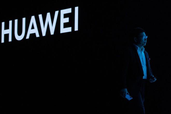 Năm năm trước còn thách thức Samsung và Apple, giờ đây Huawei bị đánh giá thấp hơn cả OPPO và Vivo - Ảnh 1.