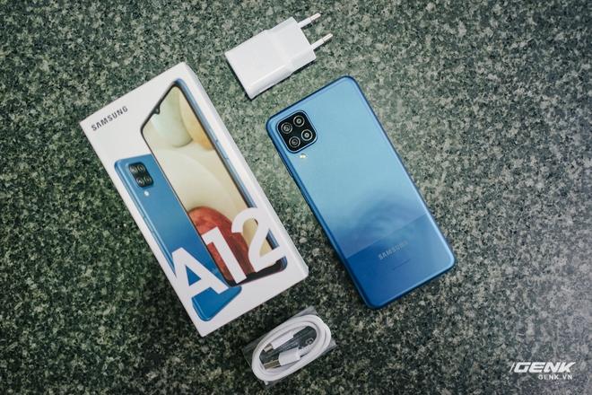Trên tay Galaxy A12: Thiết kế trẻ trung, cụm 4 camera 48MP chất lượng, pin 5000mAh, giá chưa tới 4 triệu - Ảnh 2.