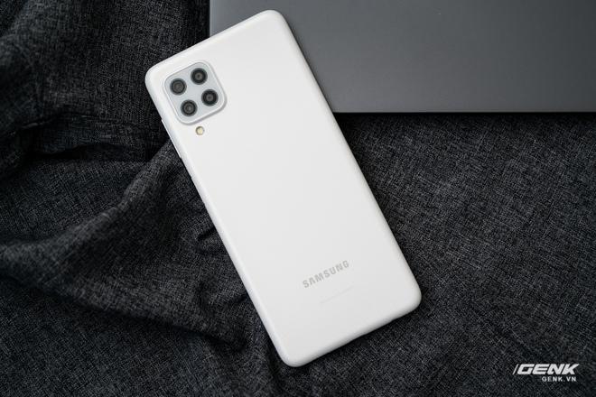 Trên tay Samsung Galaxy M22: Dày dặn để tích hợp pin 5000mAh, màn hình 90Hz, camera 48MP - Ảnh 11.