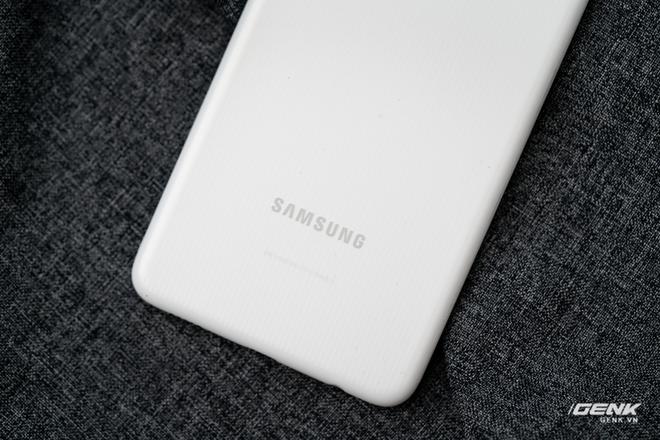 Trên tay Samsung Galaxy M22: Dày dặn để tích hợp pin 5000mAh, màn hình 90Hz, camera 48MP - Ảnh 3.