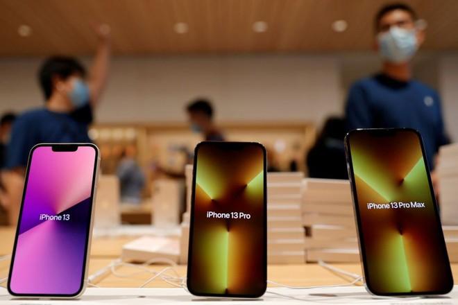 Apple cuối cùng cũng phải đau đầu vì thiếu chip: Cắt giảm 10 triệu iPhone 13 - Ảnh 1.