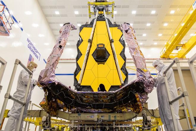 Phương pháp ship kính viễn vọng James Webb đặc biệt của NASA: một hộp kính nặng 76 tấn, dài 33,5 mét - Ảnh 1.