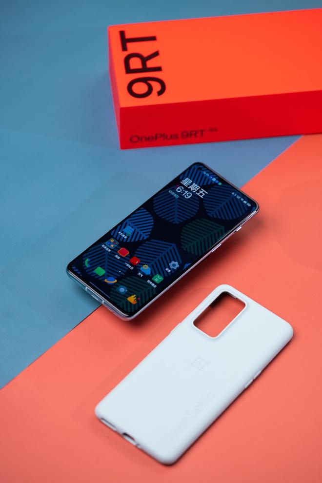 OnePlus 9RT ra mắt: Màn hình AMOLED 120Hz, Snapdragon 888, camera dùng cảm biến của OPPO Find X3, giá từ 11.6 triệu đồng - Ảnh 4.