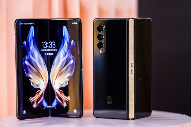 Samsung W22 5G ra mắt: Là Galaxy Z Fold3 đổi tên nhưng chỉ dành cho người dùng Trung Quốc, giá 60 triệu đồng - Ảnh 3.