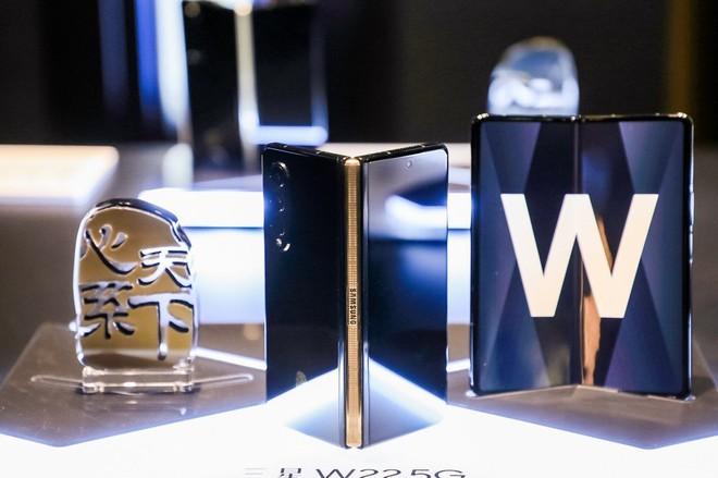 Samsung W22 5G ra mắt: Là Galaxy Z Fold3 đổi tên nhưng chỉ dành cho người dùng Trung Quốc, giá 60 triệu đồng - Ảnh 5.