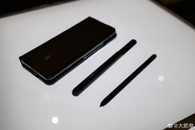 Samsung W22 5G ra mắt: Là Galaxy Z Fold3 đổi tên nhưng chỉ dành cho người dùng Trung Quốc, giá 60 triệu đồng - Ảnh 7.