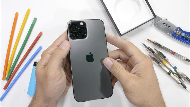 Kiểm chứng độ bền iPhone 13 Pro Max: Những điều mà Apple không nói với người dùng? - Ảnh 3.