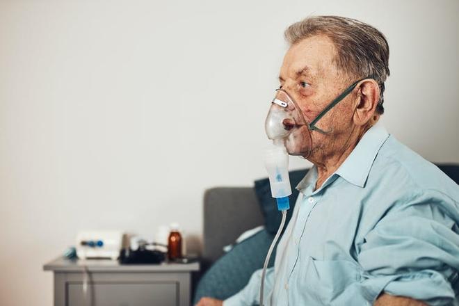 Công ty bán thuốc lá bây giờ sẽ bán thêm máy thở, cho những ai cần điều trị bệnh phổi - Ảnh 5.