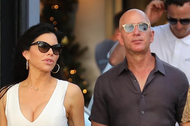 Jeff Bezos mua nhà mới sau nhiều tuần làm từ thiện - Ảnh 1.