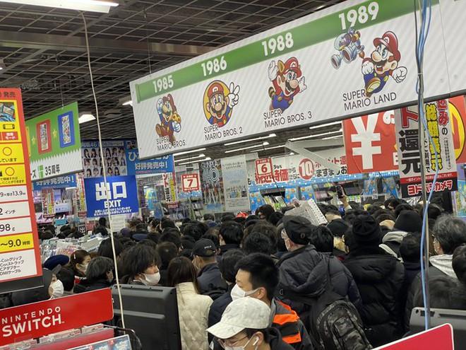 Bất chấp Covid-19, game thủ Nhật vẫn chen nhau đi mua PS5 - Ảnh 3.