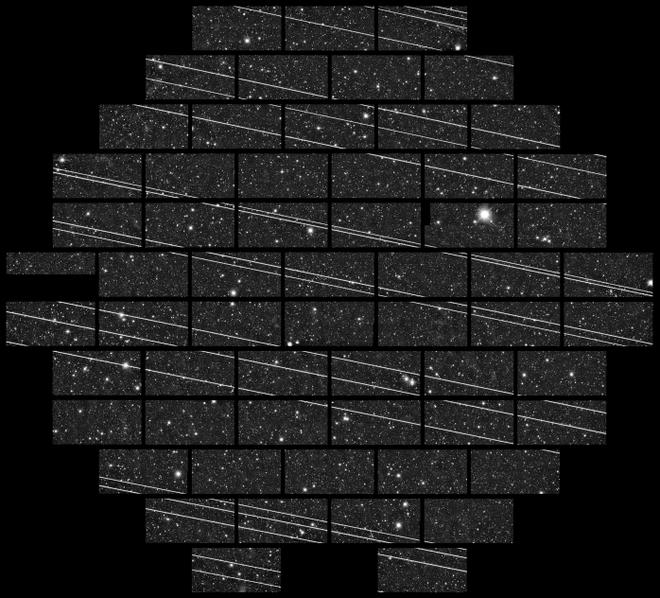 Dàn vệ tinh internet mang nguy cơ hủy hoại vĩnh viễn ngành thiên văn học, thậm chí còn có thể che mất thiên thạch đang lao về phía Trái Đất - Ảnh 1.