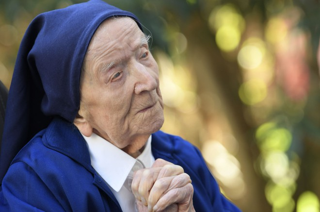 Cụ bà già thứ hai trên thế giới sống sót thần kỳ sau khi nhiễm Covid-19, lập kỷ lục ở tuổi 116 - Ảnh 3.
