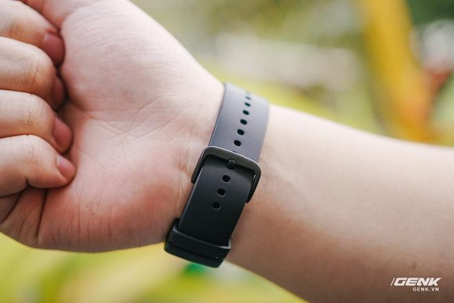 Chiếc đồng hồ này giống Apple Watch nhưng giá rẻ chỉ bằng 1/3 - Ảnh 8.