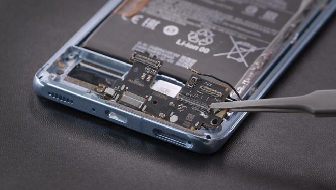 Xiaomi tự mình mổ bụng Mi 11, chứng minh chiếc máy này cực kỳ dễ sửa chữa - Ảnh 7.