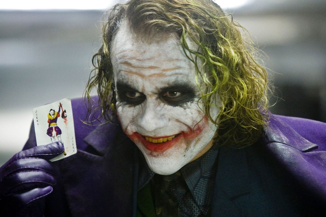 10 bí mật hậu trường của The Dark Knight Rises: Suýt chút nữa Leonardo DiCaprio đã cùng Heath Ledger đối đầu với Christian Bale - Ảnh 2.